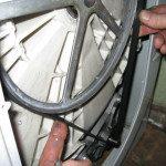 Снять приводной ремень стиральной машины
