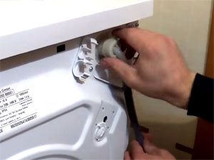 Замена наливного шланга стиральной машины