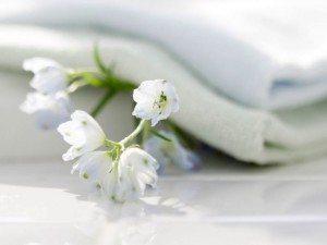 Белое пастельное белье