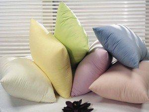 Как правильно стирать подушки