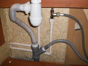 подсоединение машинки к канализации