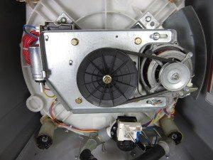 двигатель и помпа