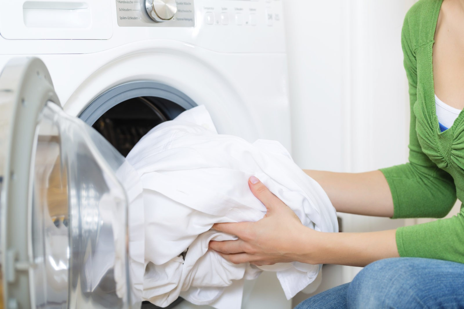 Как отбелить белье и тюль в стиральной машине в дома