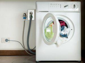 Как отсоединить стиральную машину от водопровода?