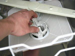 чистка фильтра в посудомойке