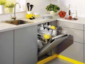 Стоит ли покупать посудомоечную машину?