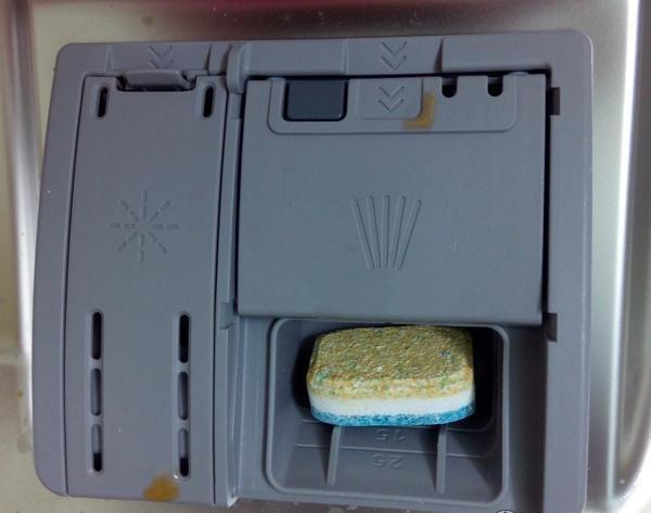 Как использовать таблетки для посудомоечной машины?