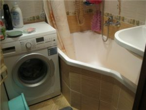 стиральная машина в ванной