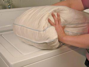 Как стирать одеяло из холлофайбера в стиральной машине