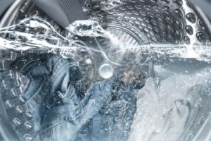 В стиральной машине остается вода в барабане после стирки
