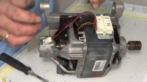 двигатель от стиралки Аристон