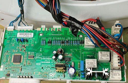 плата электронного модуля и проводка