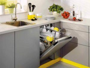 встраиваемая посудомойка на маленькой кухне