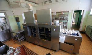 применение посудомоечной машины туннельного типа