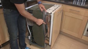 проблемы с дверцей посудомоечной машины