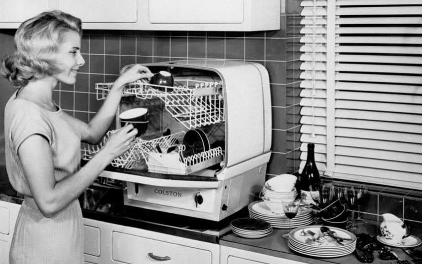 в середине 20 века посудомойки начали набирать популярность