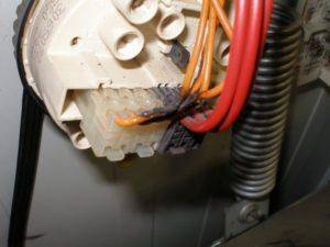 поврежденные провода