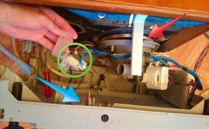 Как заменить предохранительное устройство посудомоечной машины Bosch