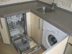 Где должна быть посудомойка в угловой кухне