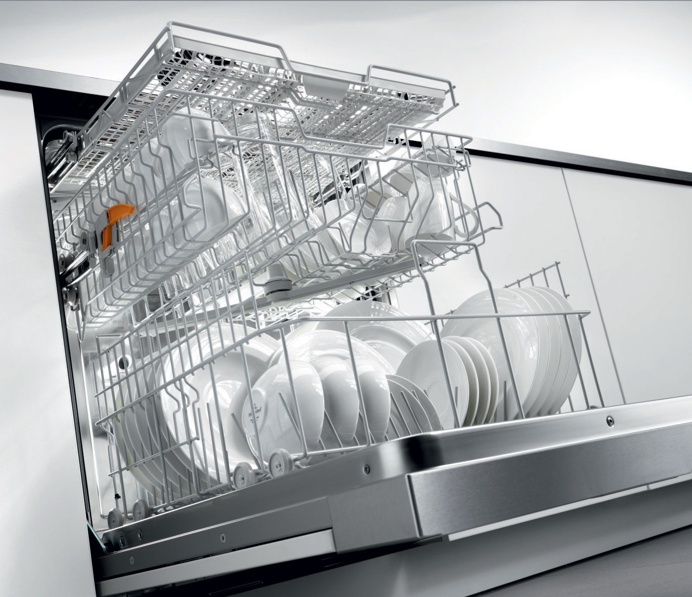 Вода в новой посудомоечной машине при покупке