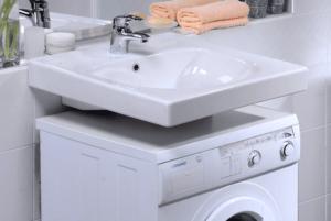 Раковины с боковым сливом под стиральную машину