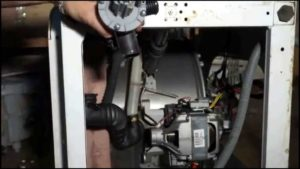 проверка патрубка на СМ Аристон