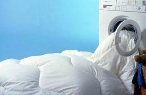 Как стирать ватное одеяло в стиральной машине