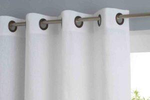 нитяные шторы можно упаковать в специальный мешочек и стирать в машинке