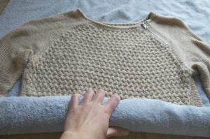 сушка шерстяного свитера после стирки