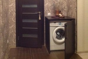 Как скрыть стиральную машину в коридоре
