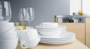 блестящая посуда из посудомойки