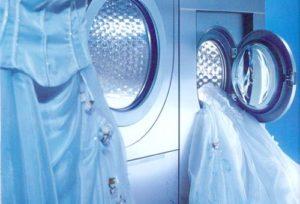 Как постирать свадебное платье в домашних условиях в стиральной машине