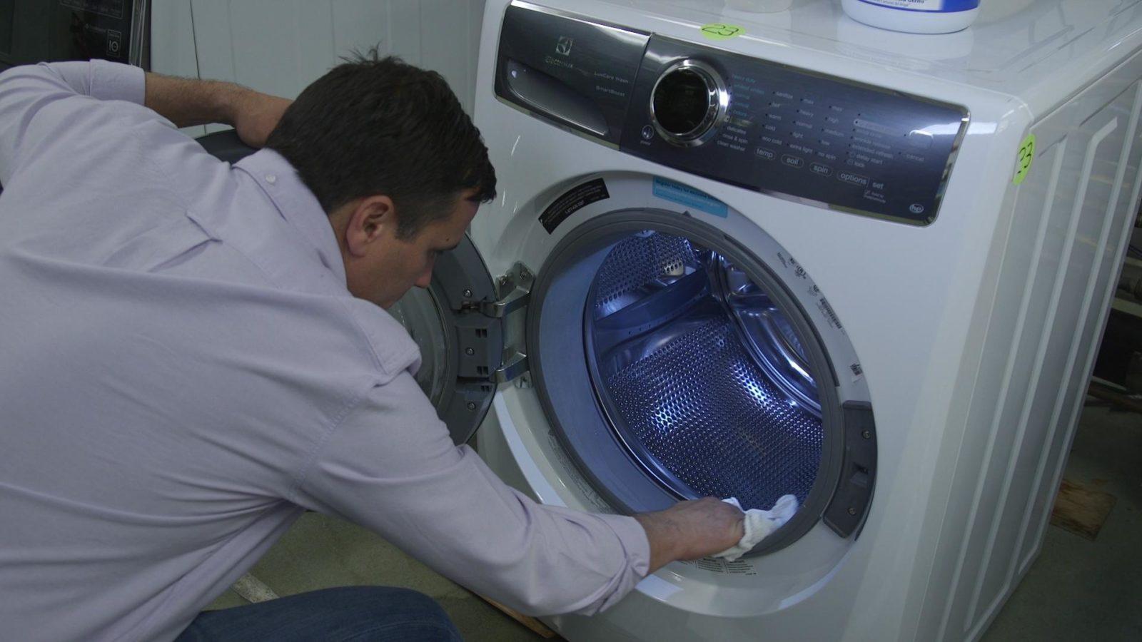 после стирки протирайте манжету и барабан стиральной машины тряпочкой