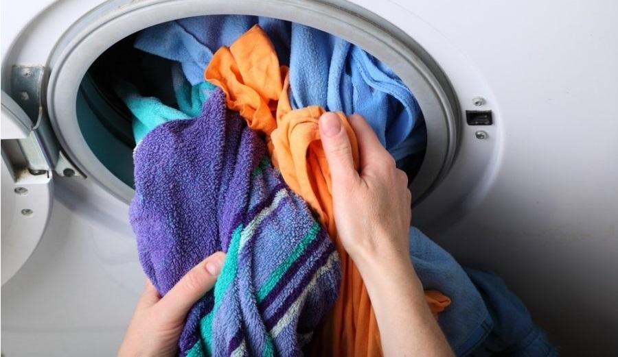 Чтобы начать сушку в стирально-сушильной машине часть белье придется вытащить