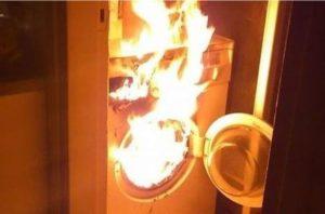 Что делать, если загорелась стиральная машина?