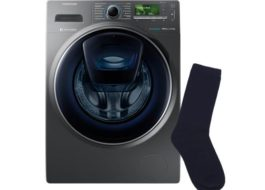 Как вытащить застрявший носок из стиральной машины?