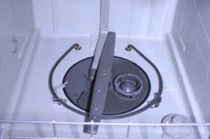 Не крутится нижний импеллер в посудомоечной машине