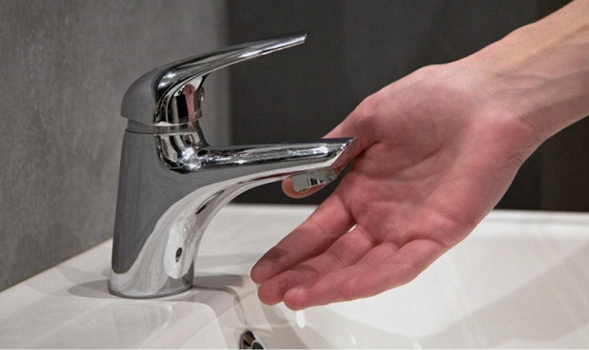 возможно в кране нет воды