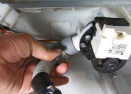 Как заменить сливной шланг в стиральной машине Индезит?