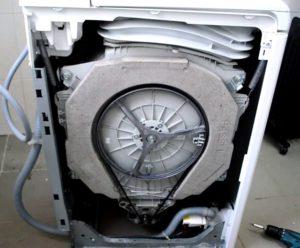 Как разобрать стиральную машину Индезит с вертикальной загрузкой