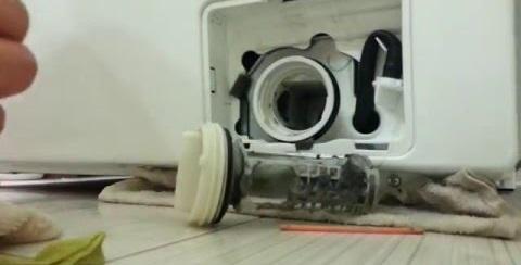 чистим фильтр стиральной машины Самсунг