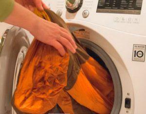 Как стирать спецодежду в стиральной машине?