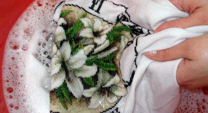 бережная стирка вышивки