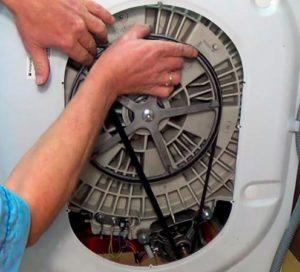 Как натянуть ремень на стиральной машине Ariston?