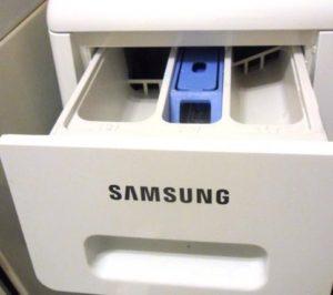 Куда заливать кондиционер в стиральной машине Samsung
