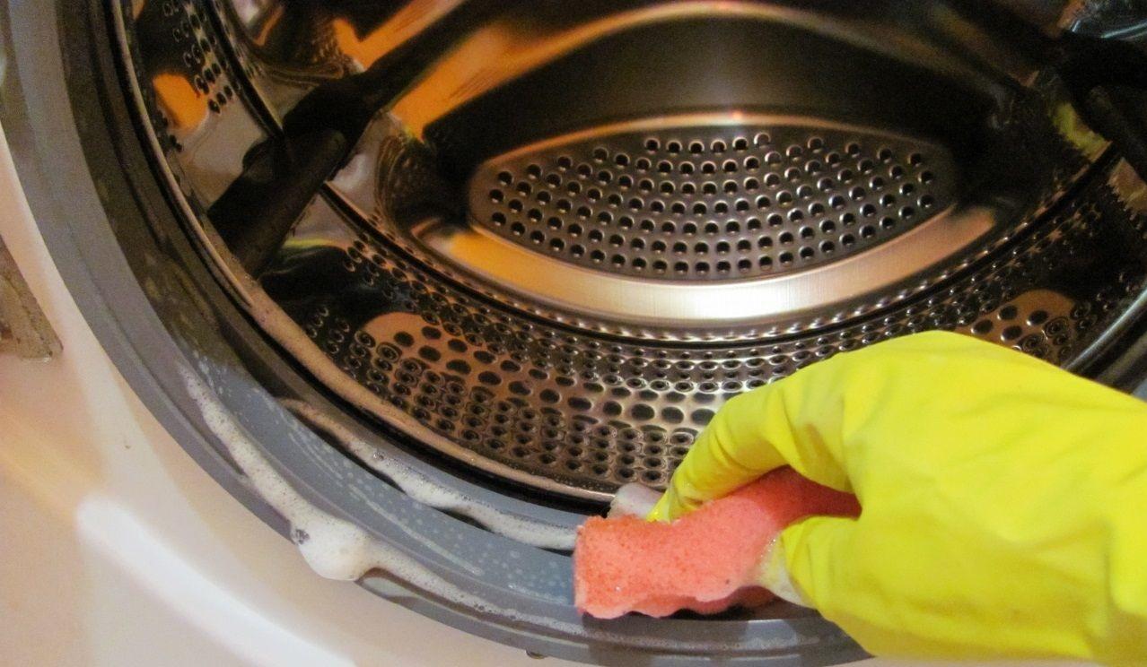 очищать машинку нужно снаружи и не только