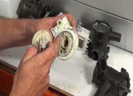 Как поменять помпу в стиральной машине Бош?