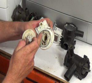 Как поменять помпу в стиральной машине Бош