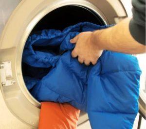 Как стирать болоньевую куртку в стиральной машине