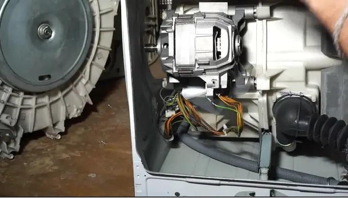 как снять мотор